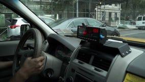 Innenansicht ein NYC-Taxi stock footage