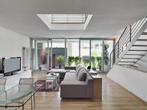 Innenansicht eines modernen Wohnzimmers Stockfotos