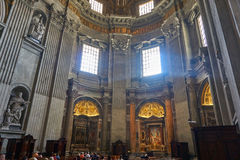 Innenansicht von San Pietro lizenzfreies stockfoto