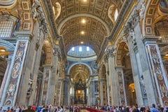 Innenansicht von San Pietro stockfotos