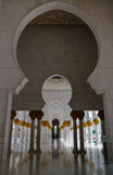 Innenansicht zu Sheikh Zayed Mosque, Abu Dhabi, UAE Lizenzfreies Stockfoto