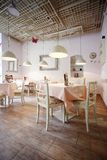 Innenarchitektur des Restaurants stockbilder