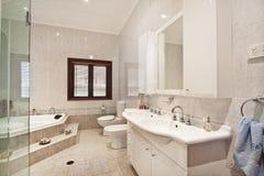 Innenarchitektur: Innenraum des Badezimmers Stockfotografie