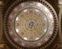 Innenkuppel Basilika der Str.-Istvan Lizenzfreie Stockbilder