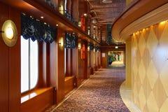 Innenraum auf einem Kreuzschiff Stockfotos