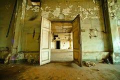 Innenraum der alten Fabrik Stockfotografie