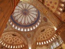 Innenraum der blauen Moschee Stockfotos