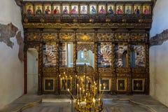 Innenraum der bulgarischen orthodoxen Kirche auf der Insel von St. Anastasia Stockfotos