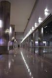 Innenraum in der dunklen metallischen Geschäftsart Stockbilder
