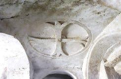 Innenraum der Felsenkirche in den Steinen von Matera Stockbild