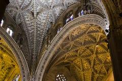 Innenraum der gotischen Kathedrale von Sevilla, Spanien, eins von den größten in der Welt Lizenzfreies Stockfoto