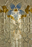 Innenraum der großartigen Moschee in Abu Dhabi lizenzfreies stockbild