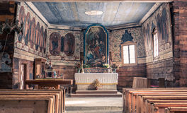 Innenraum der hölzernen Kirche, Zuberec - Slowakei Stockfotografie