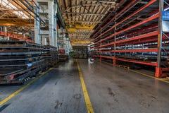Innenraum der Industrieanlagewerkstatt Stockfotos