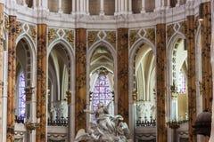 Innenraum der Kathedrale unsere Dame von Chartres (Cathédrale Notre-DA Stockfotografie