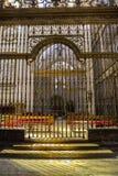 Innenraum der Kathedrale von Cuenca, Grill des Chores, Renaiss stockbild