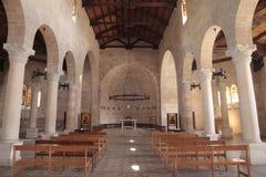 Innenraum der Kirche der ersten Fütterung von der Vielzahl an Stockfotos