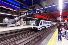 Innenraum der Metrostation Aeropuerto. Madrid Lizenzfreie Stockfotografie
