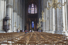 Innenraum der Notre-Dame-Kathedrale Stockfoto
