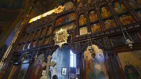 Innenraum der orthodoxen Kirche stock footage