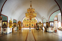 Innenraum der russischen Kirche Lizenzfreie Stockfotos