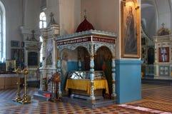 Innenraum der russischen orthodoxen Kathedrale Stockbilder