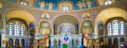 Innenraum der russischen orthodoxen Kirche Panoramische Ansicht stockbild