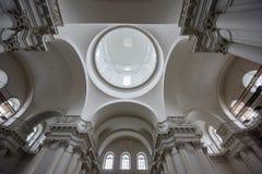 Innenraum der Smolny-Kathedrale St Petersburg, Russland Lizenzfreie Stockfotos