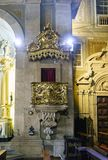 Innenraum der St- Anthony` s Kirche versammelt sich errichtet im 18. Jahrhundert und sehr im Pol Lizenzfreie Stockfotografie