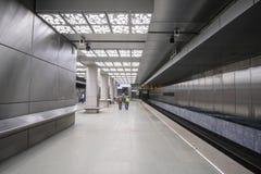 Innenraum der U-Bahnstation Novoperedelkino in Moskau stockbild