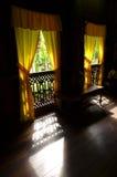 Innenraum des antiken ethnischen malaysischen Hauses Stockfotografie