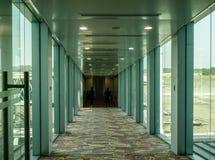 Innenraum des Flughafens stockbild