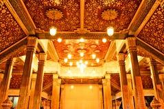 Innenraum des goldenen Buddha-Tempels Stockfoto