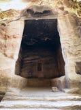 Innenraum des großen antiken Raumes in wenig PETRA Stockfotografie