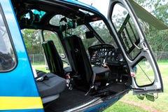 Innenraum des Hubschraubers mit der Tür offen Lizenzfreie Stockfotos