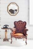 Innenraum des ledernen Stuhls und des Raumes Stockfotos