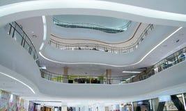 Innenraum des modernen Gebäudes Stockbilder