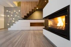Innenraum des modernen Wohnzimmers Stockbild