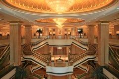 Innenraum des Palast-Hotels Stockfotos