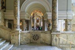 Innenraum des Victoria-abd Albert Museum, London Lizenzfreie Stockfotos