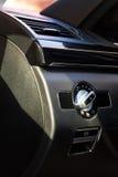 Innenraum (Designo) von benutztem Mercedes-Benz S-klasses350 lang (W221 Stockfoto