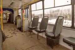 Innenraum einer alten Tram Stockfoto