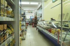 Innenraum einer Billigsupermarkt IDEE Stockfotos