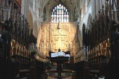 Innenraum einer englischen mittelalterlichen Kathedrale Lizenzfreies Stockbild
