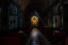 Innenraum einer katholischen Kirche in Lima Lizenzfreie Stockfotografie