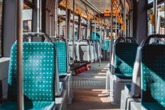 Innenraum einer Lemberg-Tram Stockfotografie