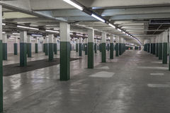 Innenraum einer U-Bahnstation stockfotos