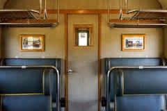 Innenraum eines alten Zugs lizenzfreie stockfotos