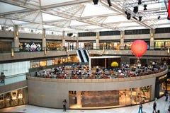 Innenraum eines Einkaufszentrums Lizenzfreies Stockbild