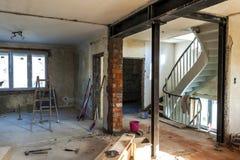 Innenraum eines Hauses im Bau Erneuerung eines apartme stockbilder